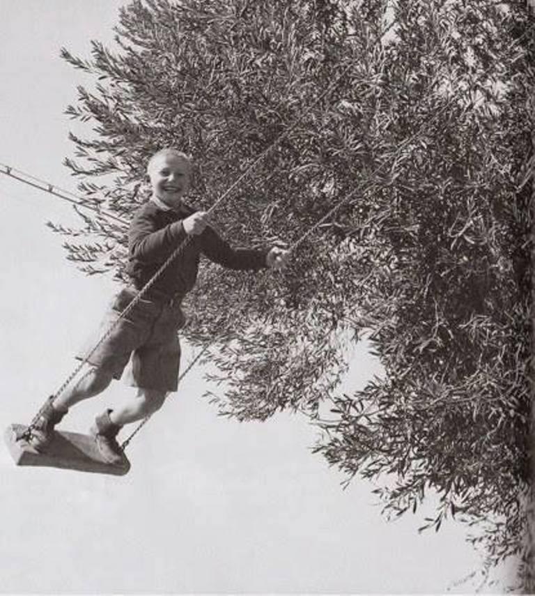 """Δημήτριος Χαρισιάδης, Παιδόπολη Αγριάς """"Αγία Σοφία"""". Βόλος 1949. Φωτογραφικά Αρχεία του Μουσείου Μπενάκη."""