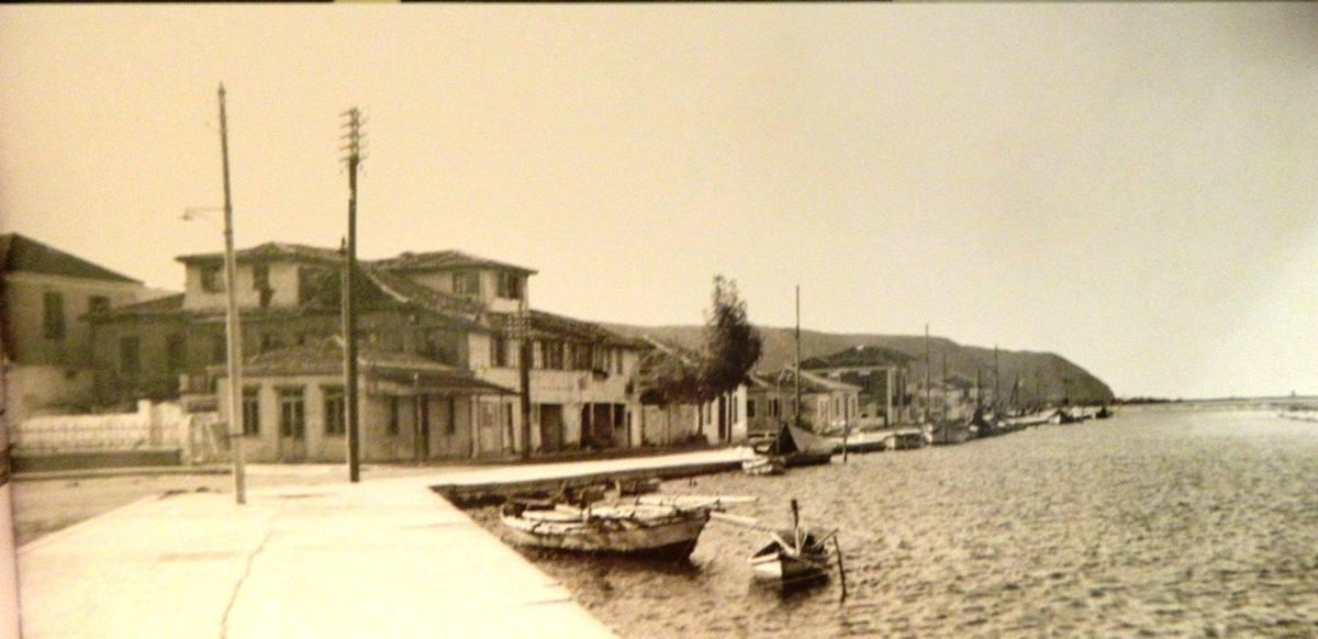 1957. Δυτική άποψη της πόλης ( Σημερινή οδός Αγγέλου Σικελιανού)