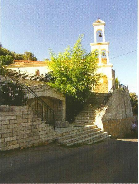Η εκκλησία του Αγίου Νικολάου με τη βρύση του χωριού