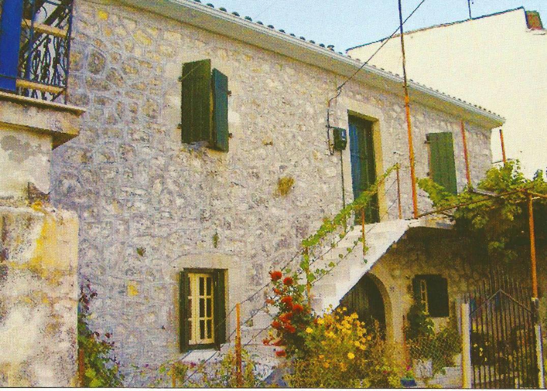 Το σπίτι της θειά Σοφίας με τον αργαλειό
