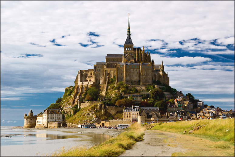 LE MONT SAINT MICHEL, NORMANDIE, FRANCE