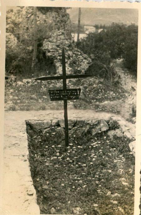 Ο τάφος του Wilhelm Dörpfeld όπως ήταν τότε