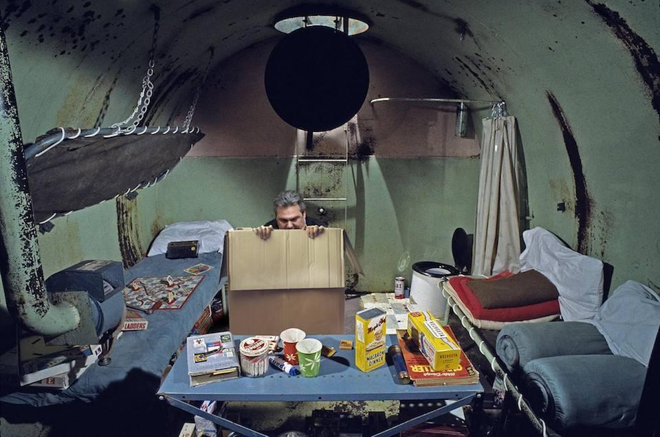 Ο Πάνος Καμμένος κρύφτηκε σε ένα χαρτόκουτο σε πολεμικό καταφύγιο για να μην τον δει ο Αμβρόσιος να μιλάει με τον Αλέξη Τσίπρα